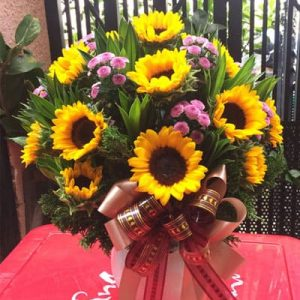 vietnamese-women-day-flowers-63
