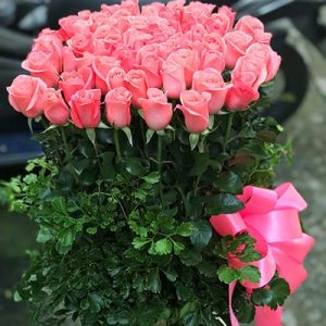vietnamese-women-day-roses-71