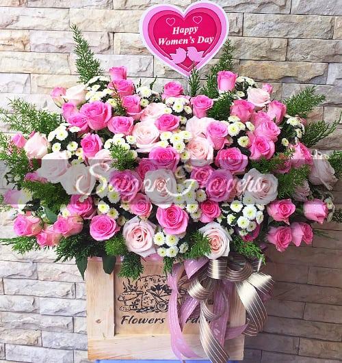 vietnamese-womens-day-roses-45