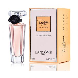 vn-womens-day-perfume-01